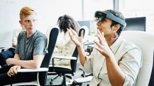 Leading organisational change in a digital world